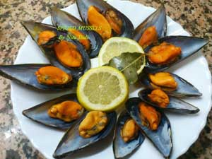 Spiced Steamed Mussels