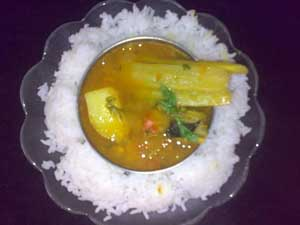 Sweet and Sour Maharashtrian Dal with Drum sticks & Potato