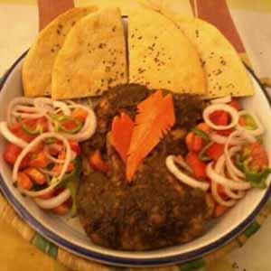 Balochi chicken with Qandhari naan