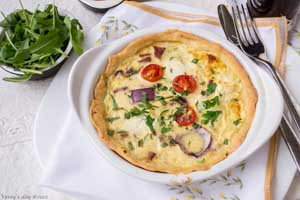Red onion and bacon quiche