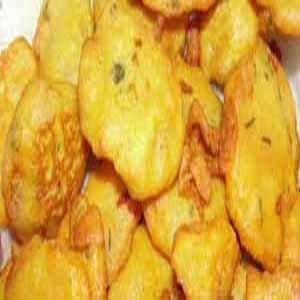 Potato Fritters (Batata bhaji, Aloo Pakoda)